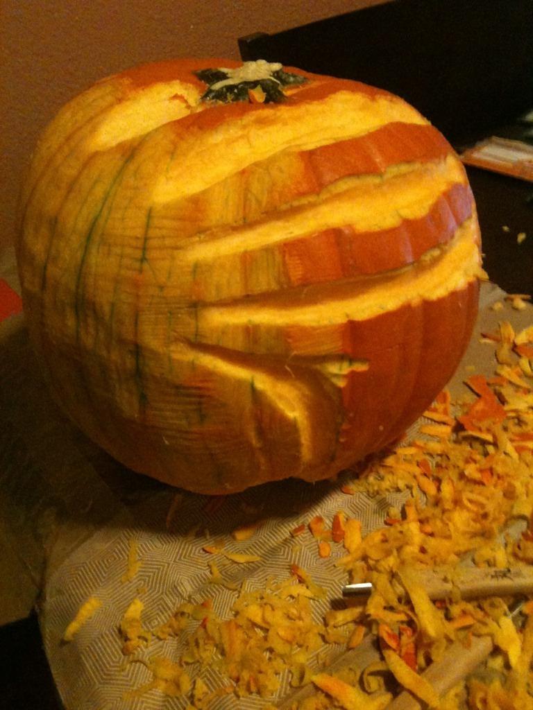 Facehugger Pumpkin progress