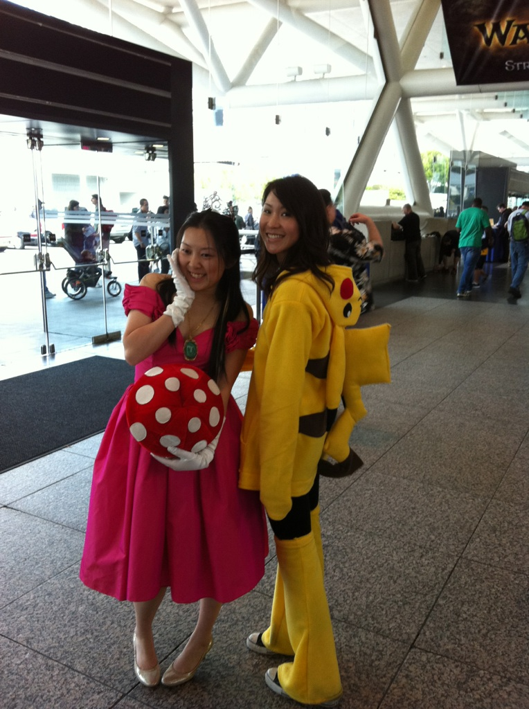 Wondercon 2011- Pikachu and Princess Peach