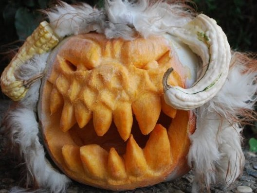 http://www.thestylishgeek.com/wp-content/uploads/2012/05/star_wars_wampa_pumpkin1.jpg