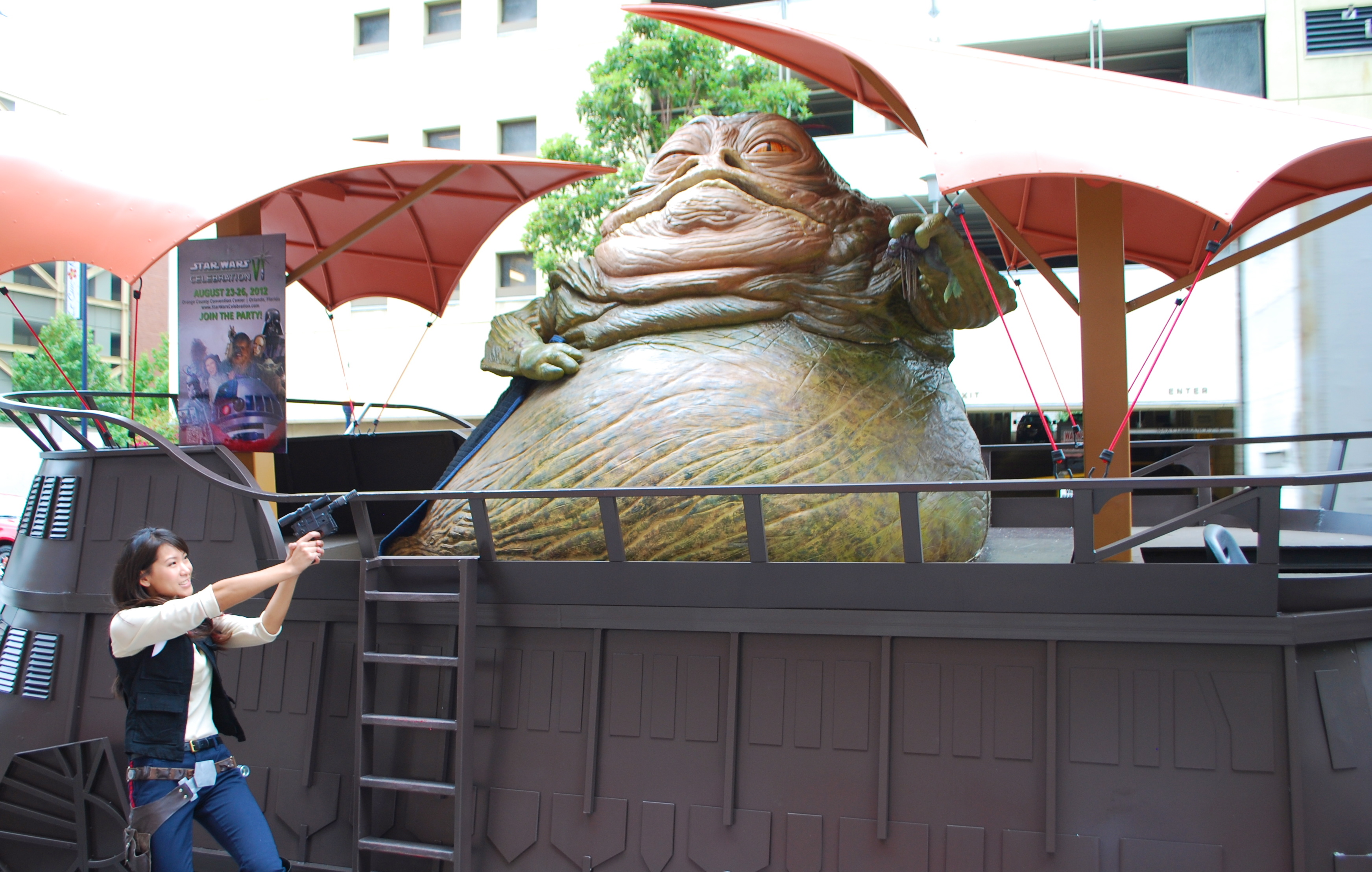 Female Han Solo Cosplay and Jabba the Hutt - San Diego ... Jabba The Hutt Cosplay