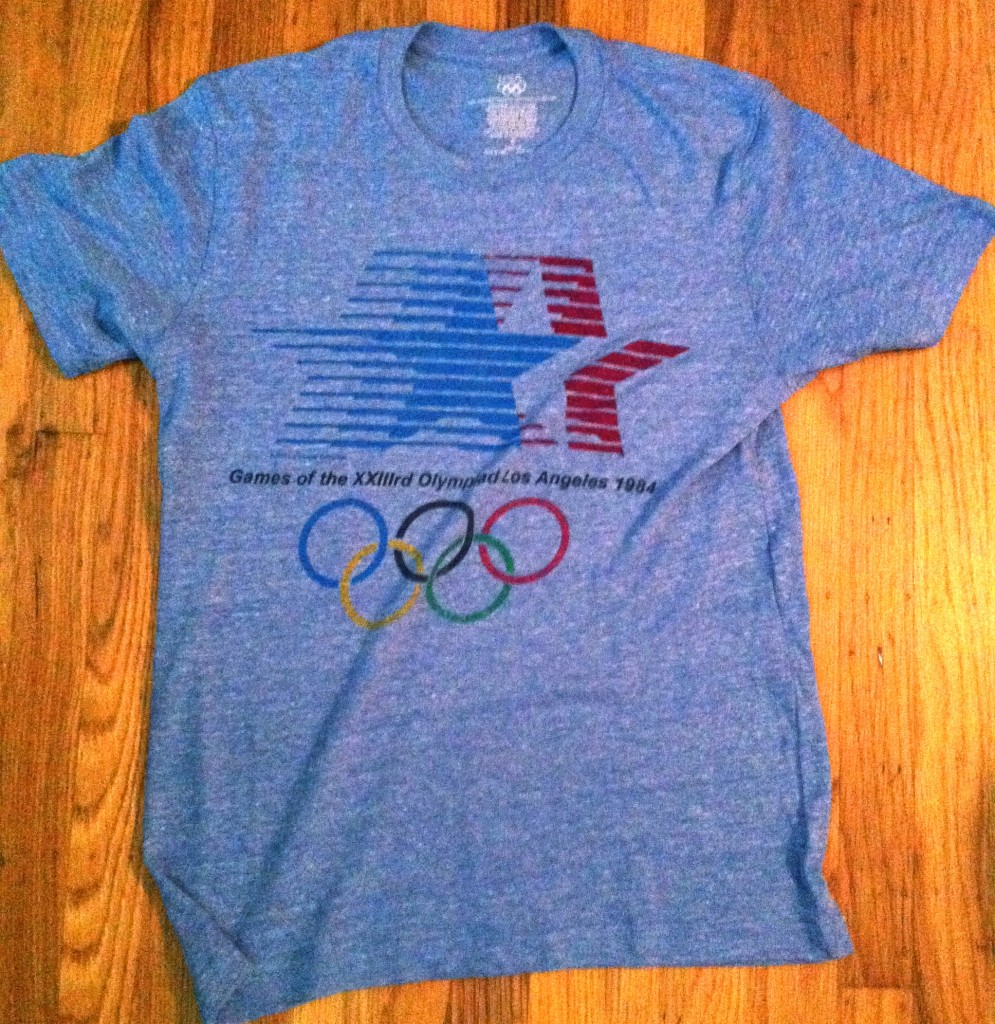 Diy how to cut a t shirt olympics edition the stylish geek for Gap usa t shirt