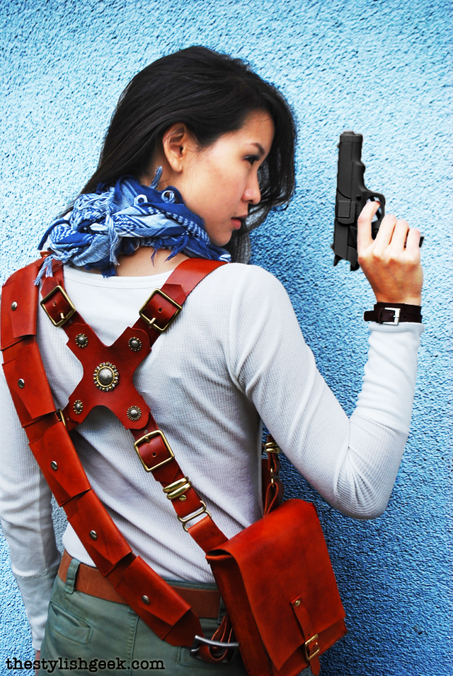Female Nathan Drake cosplay Wondercon 2013