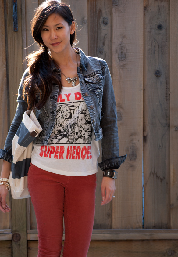 I only date super heroes tank top w/Black denim jacket