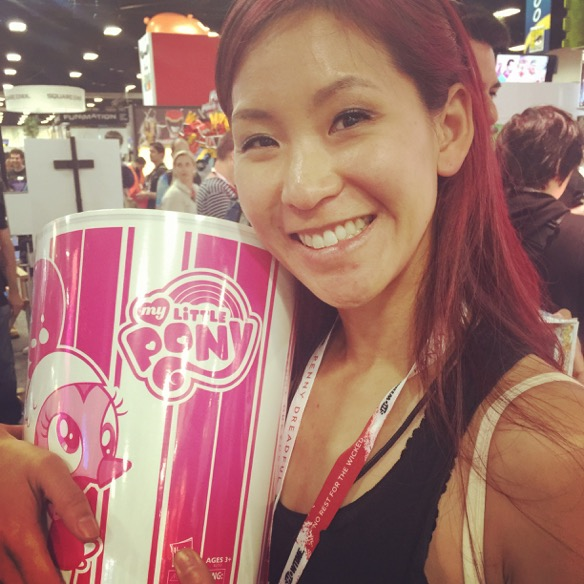 Hasbro SDCC 2015 - Pinkie Pie Chicken